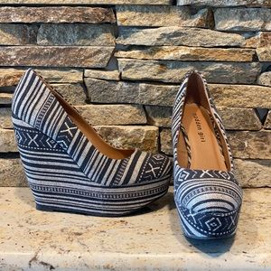 Women's Madden woven wedges. Navy and off white